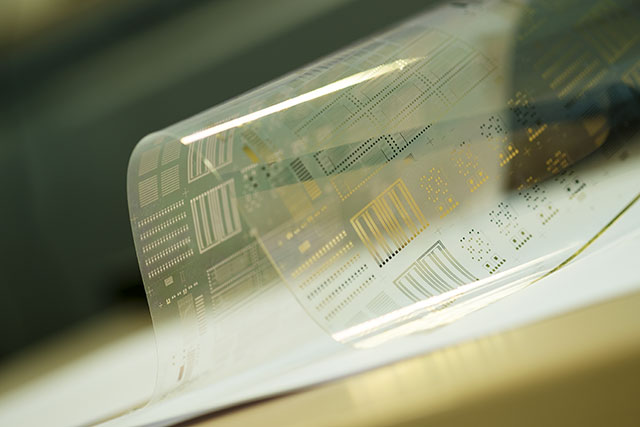 Outstanding transistor performance on flexible substrates - Neudrive